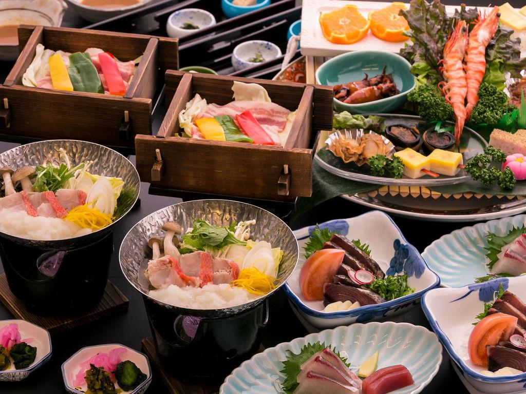 《金目鯛ゆずみぞれ鍋&四万十豚せいろ蒸し&鰹のたたき》皿鉢料理プラン