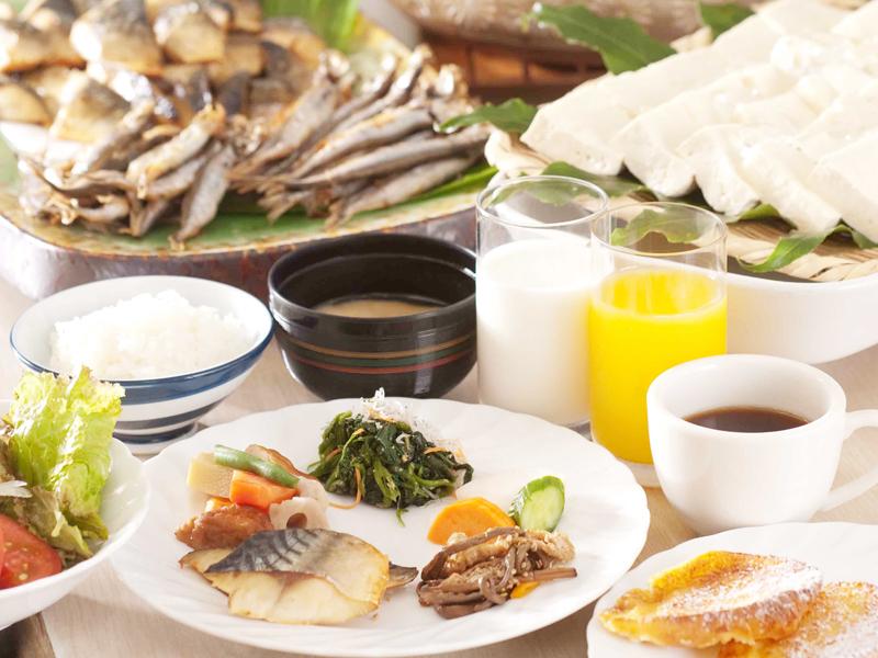 朝食6時〜10:00(オーダーストップ9:45)
