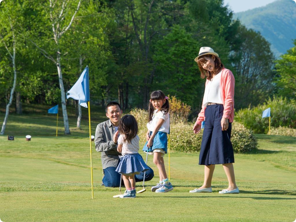 家族でパターゴルフ�C