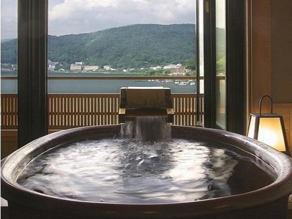 信楽焼の露天風呂【朝】
