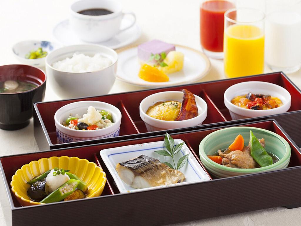 朝食(セットメニュー)一例
