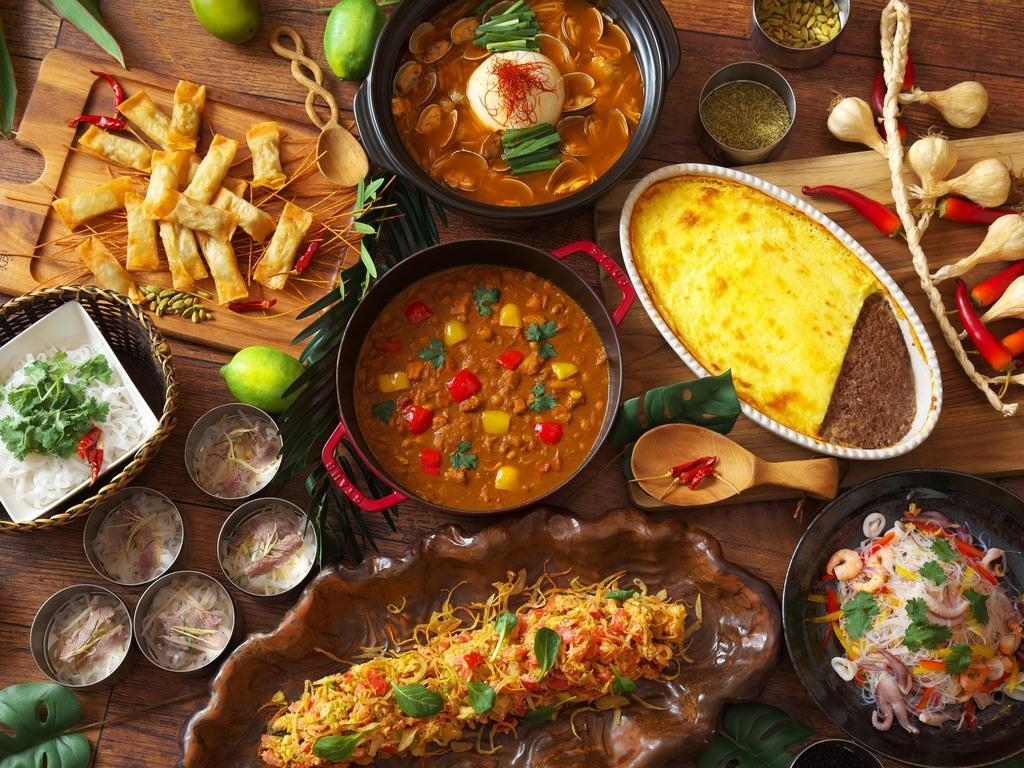 食べ放題夕食バイキング(2〜3月は様々な国の料理を集めたメニューが並びます)