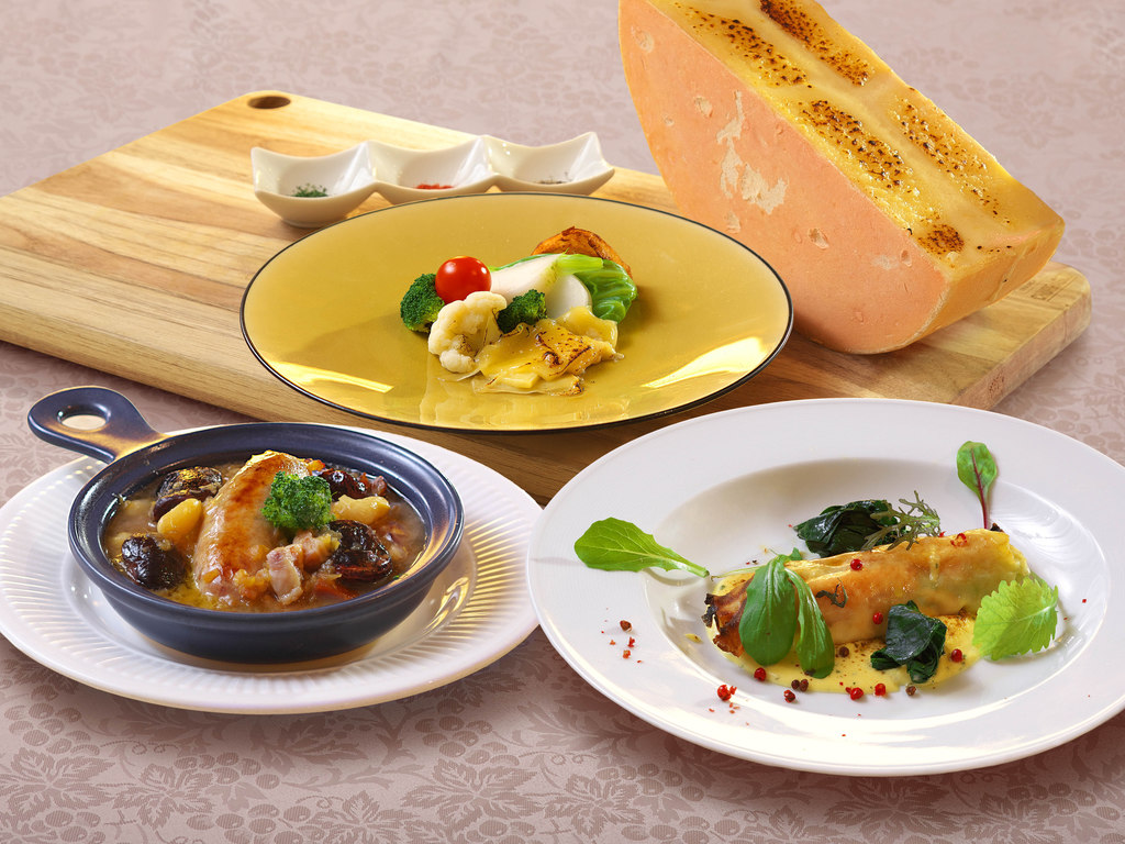 洋食フレンチのコース料理では、シェフが腕を振るいます。(イメージ)