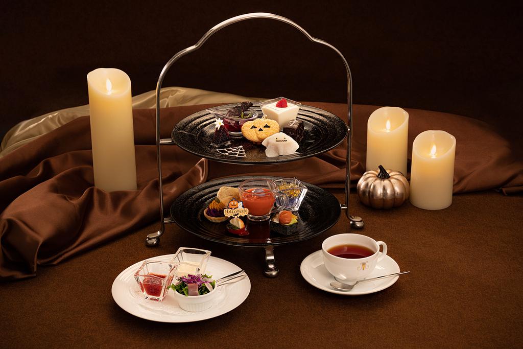 フレンチレストラン「ポム・ダダン」で人気の季節のアフタヌーンティーをお部屋でお楽しみいただけます