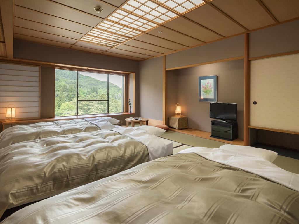 ベッド付和室(15畳)