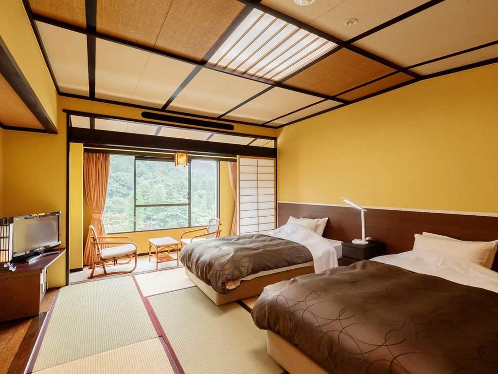 和と洋の良さをあわせ持つ、10畳間にベッドが2台のツインルーム