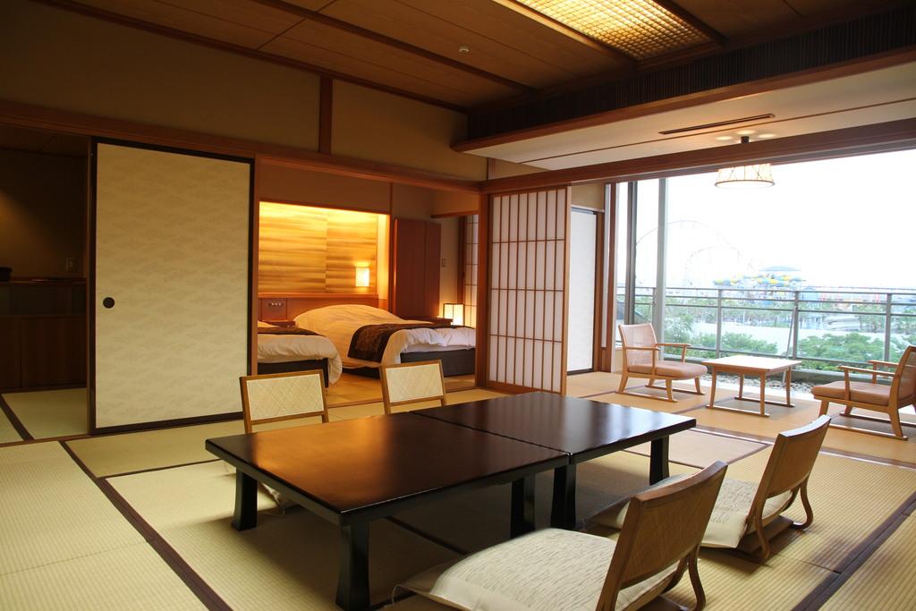 ■ホテル花水木本館 和洋室■<br>和室12.5畳のほか、<BR>ゆったりとしたベッドのある洋間