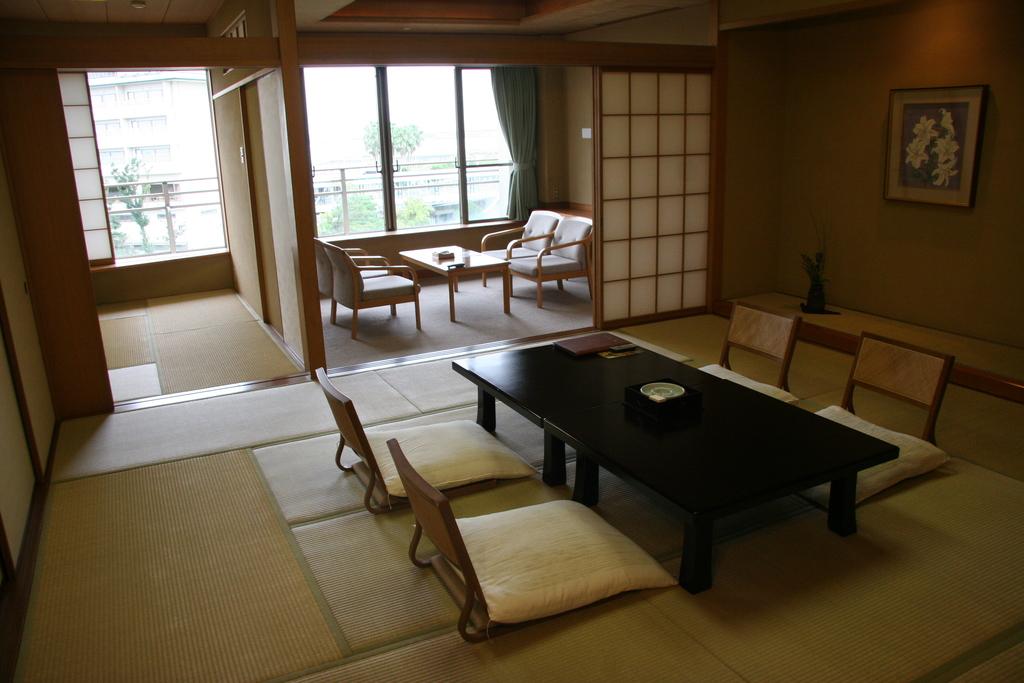 ■ホテル花水木別館 和室10畳+6畳■<BR>次の間付きの和室で更にゆったりと