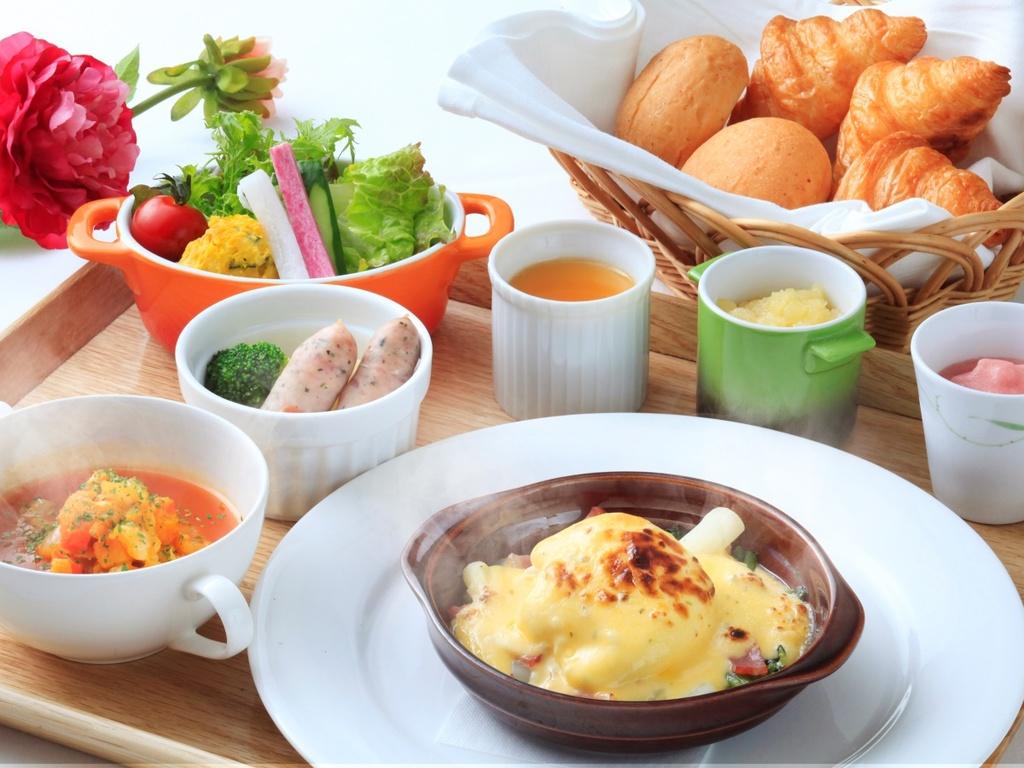 """【朝食】""""地元産""""をふんだんに使用した朝食"""