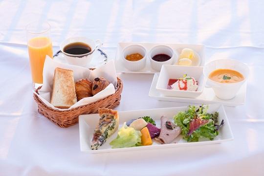 三浦半島の卵や季節野菜などを使った極上の朝食※食材は変更になる場合がございます。予めご了承下さい。