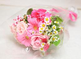 お花が大好きな方には花束を…