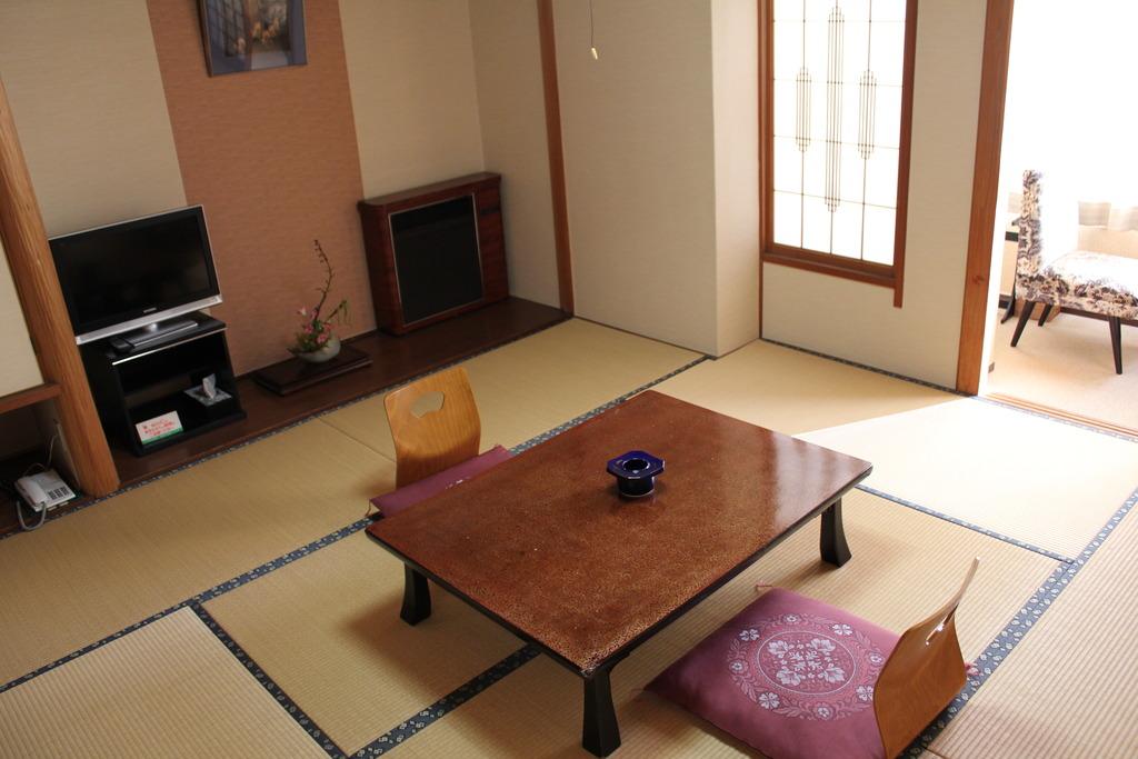 客室は洋室または和室のお任せです