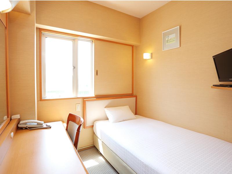 シングル客室〜コンパクトな快適空間♪