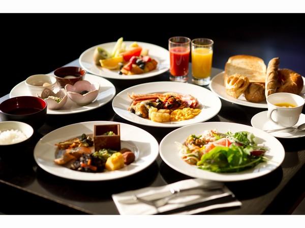 バラエティに富んだ和洋食の朝食ブッフェ