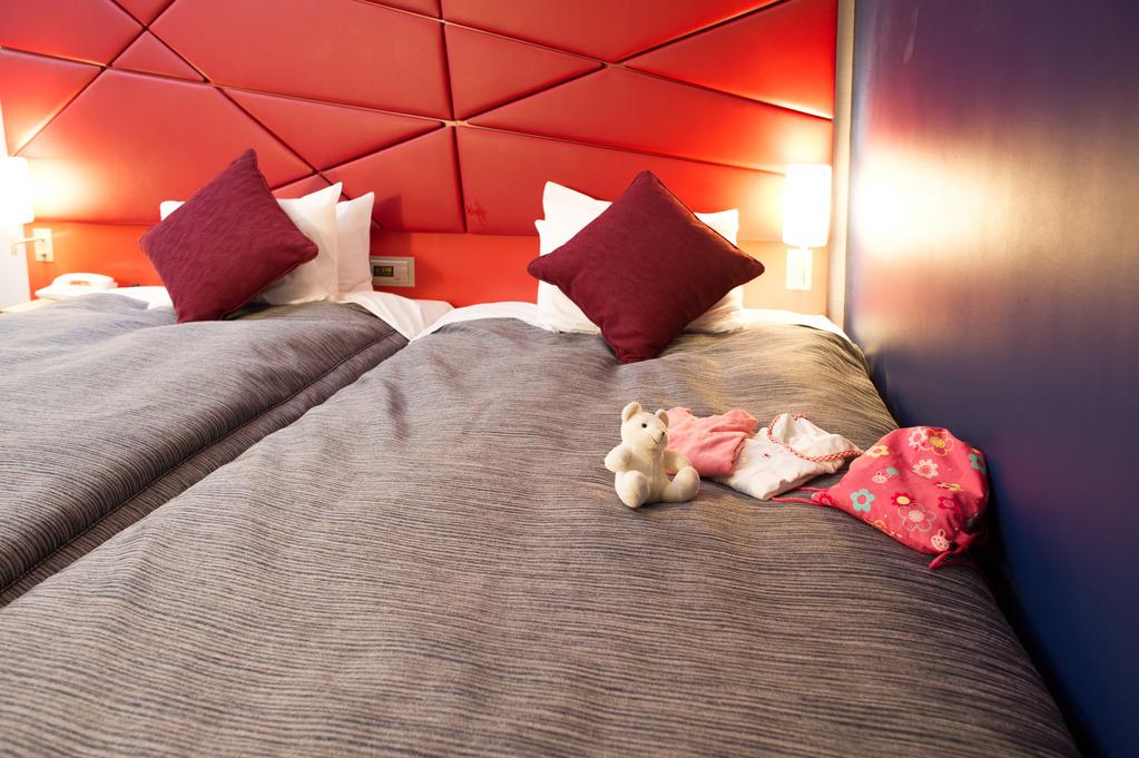 ※スタイリッシュツインルームをご予約のお客様のみベッドを壁側に2台つけて、ハリウッドツインにしてご用意