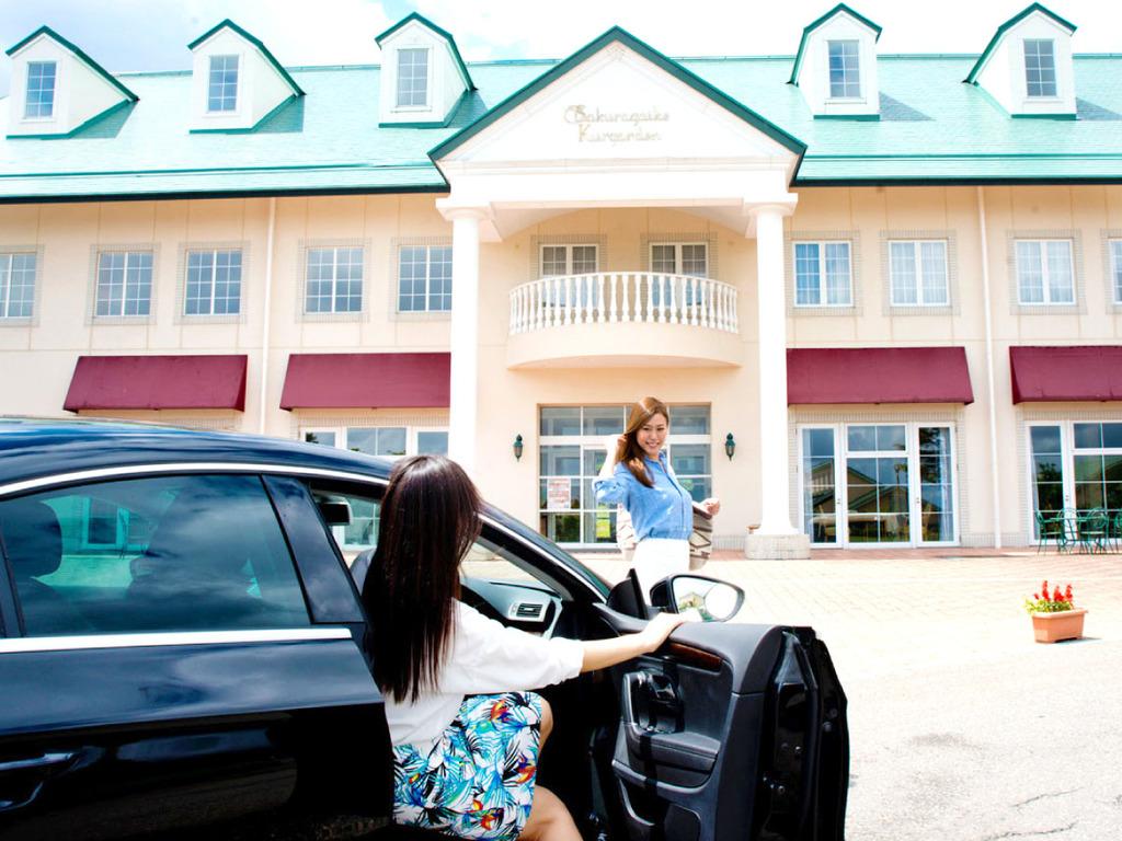【城端サービスエリア駐車場から徒歩2分】高速を降りずにご来館でき、ビジネスやハイウェイでの旅の拠点に便利です