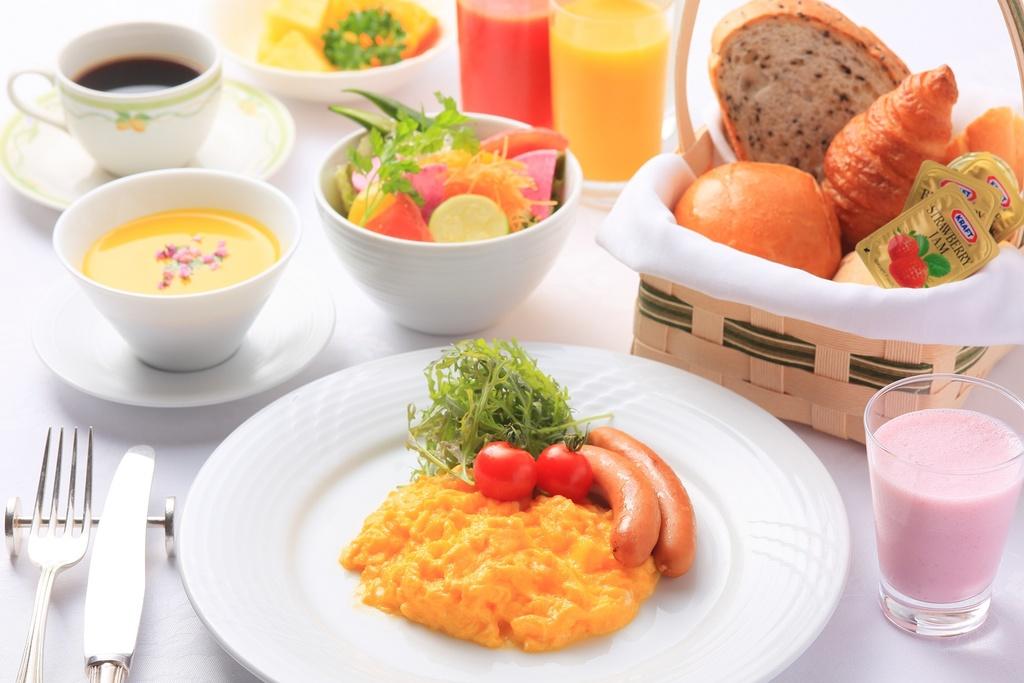 朝食 和洋ブッフェ 盛り付け例
