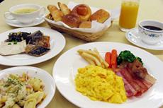 約60種類の和洋朝食バイキング♪
