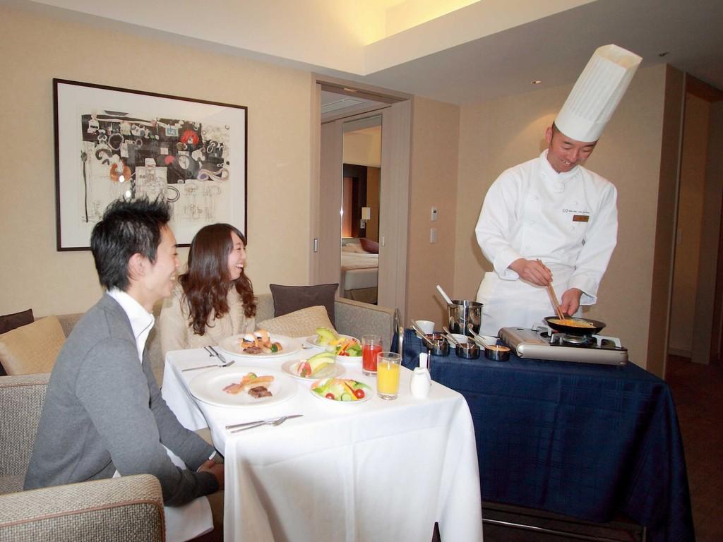 お部屋での朝食(イメージ)