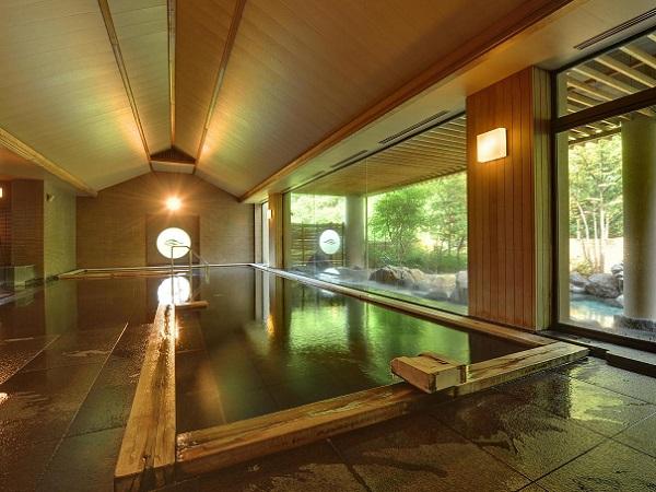 大浴場「長生きの湯」檜風呂です。