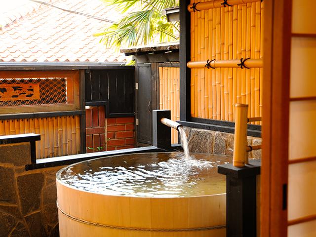 客室専用檜露天風呂