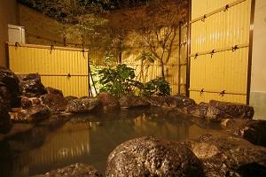 岩露店風呂