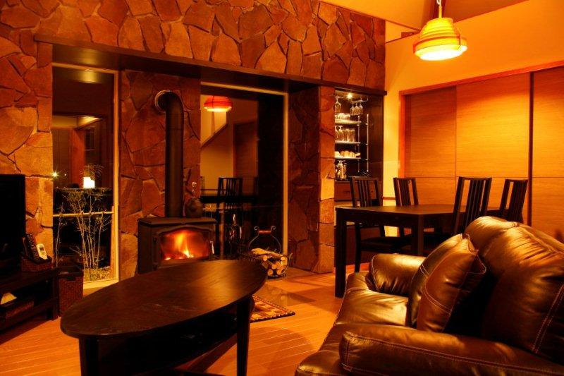 暖炉(薪ストーブ)のお部屋