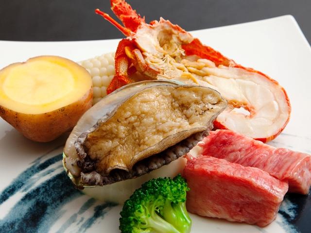 やわらか長崎県産和牛★コリコリ♪アワビの踊り焼き★ぷりぷりロブスター(半身)★鮮度バツグンの海鮮セット
