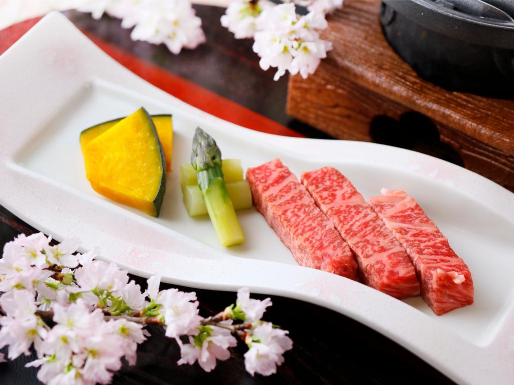 【春の7大グルメ】ジューシーな旨味が広がる長崎県産牛ステーキ