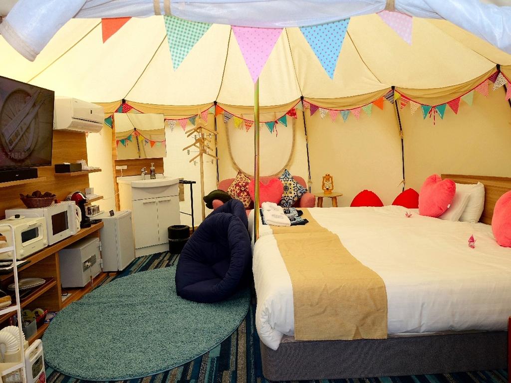 【禁煙】グランピング専用5Mサイズのベルテント エアコン・ベット完備 快適にキャンプをお楽しみ下さい