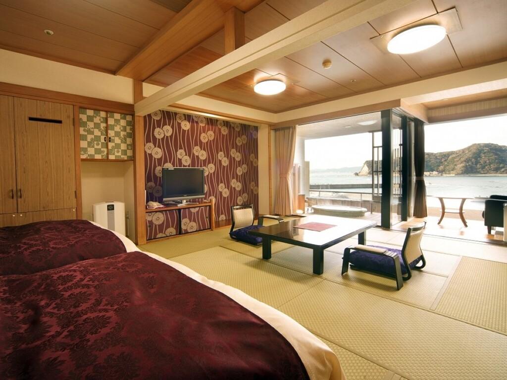 4階和室露天付客室