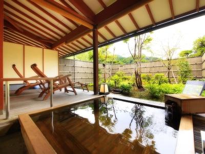【お部屋】庭園付露天風呂客室(ひのき風呂)