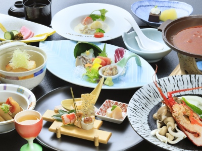 【お食事】ボリュームは抑えめで、伊豆の味覚を満喫