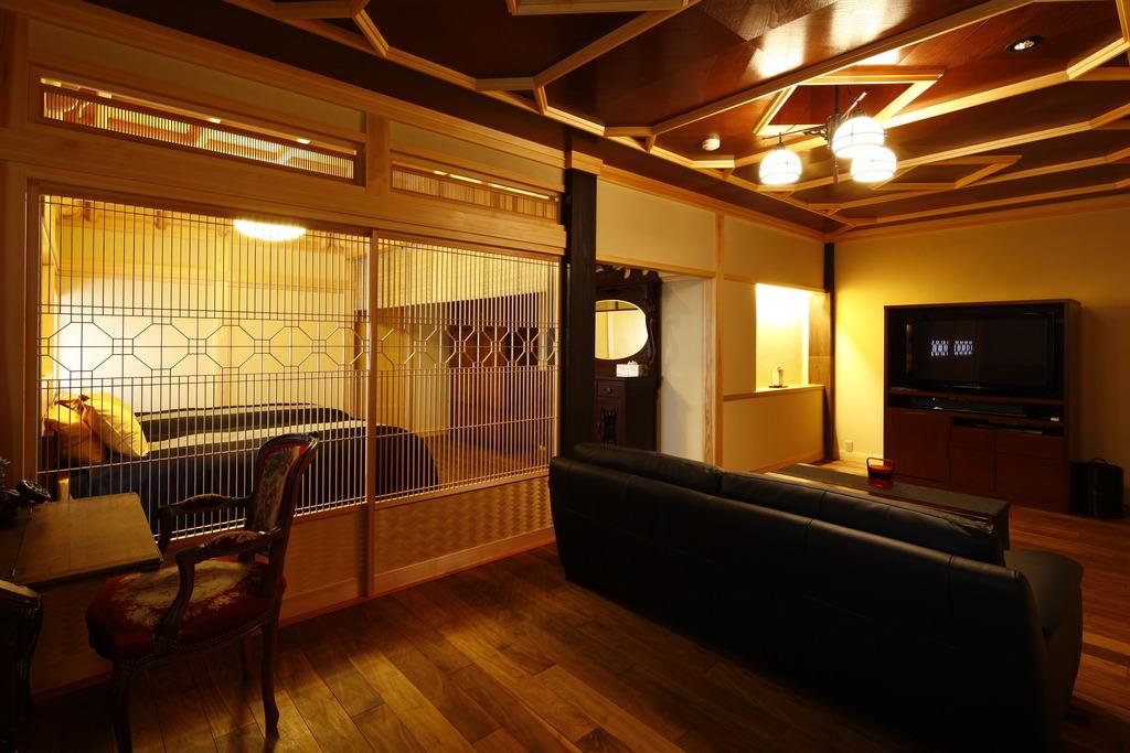 【掛け流し半露天風呂付】和洋特別室100平米【仙】