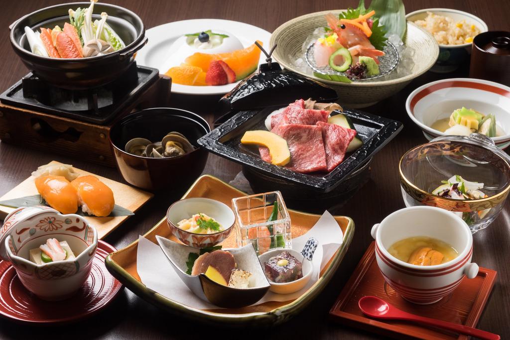 十勝の季節素材を使用した和食会席膳をお楽しみください
