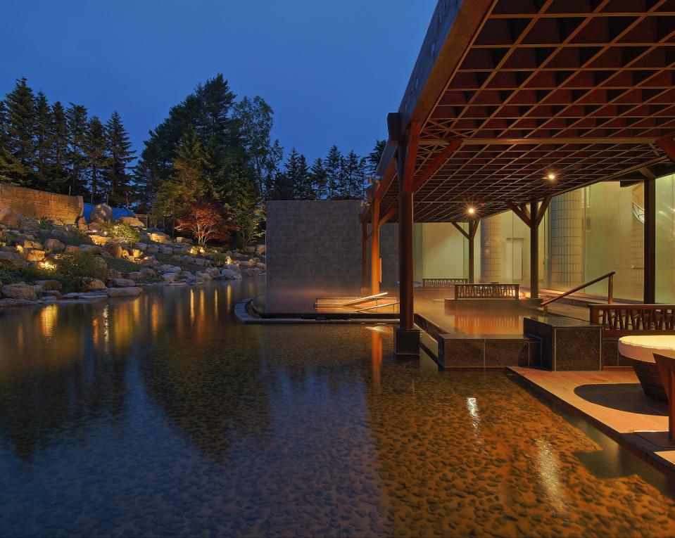新装OPEN!庭園露天風呂「森の清流・滝壺の湯」
