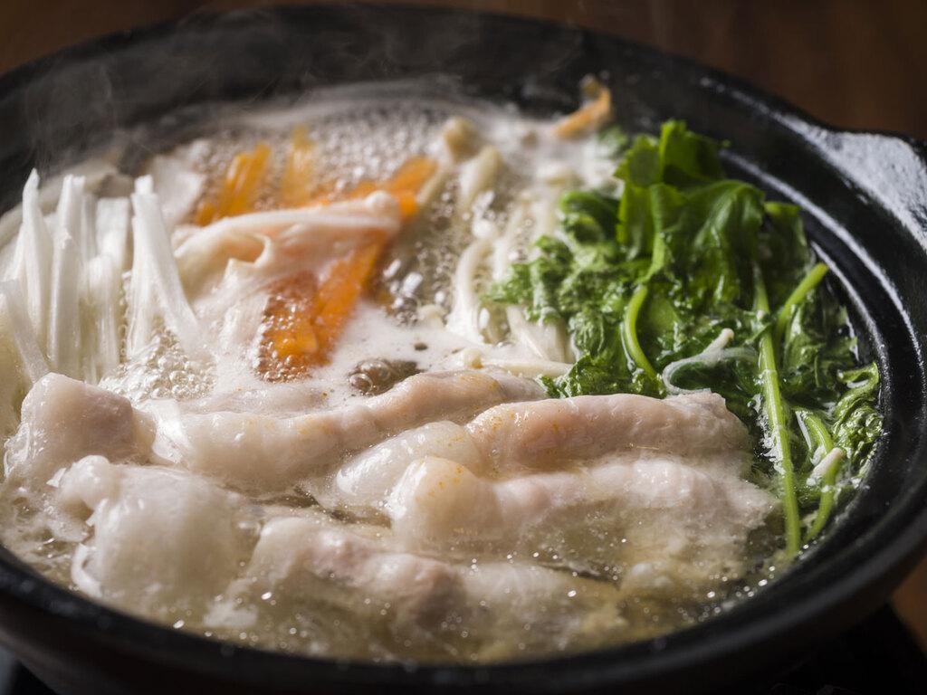生姜がアクセント体が芯から温まる「滋養鍋」