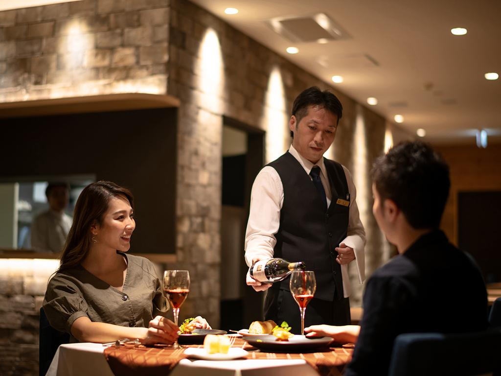 函館の食材とワインをお楽しみください
