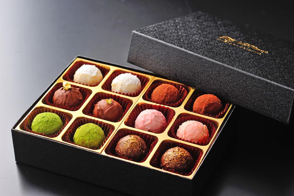 色とりどりのショコラをお楽しみください。