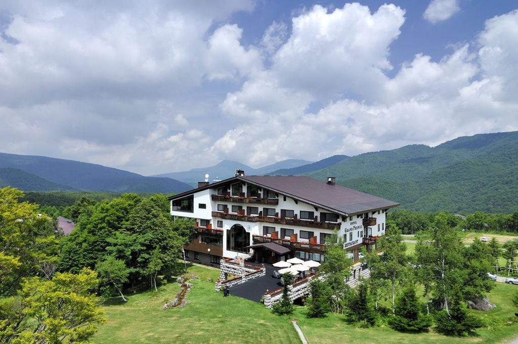 標高1,500mに佇むホテル全景