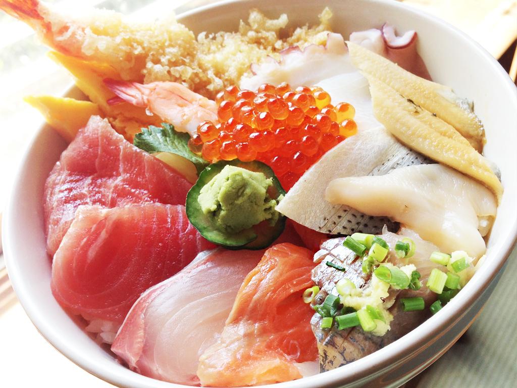 四季(とき)の湯温泉お食事処のおすすめの一品『海鮮丼』