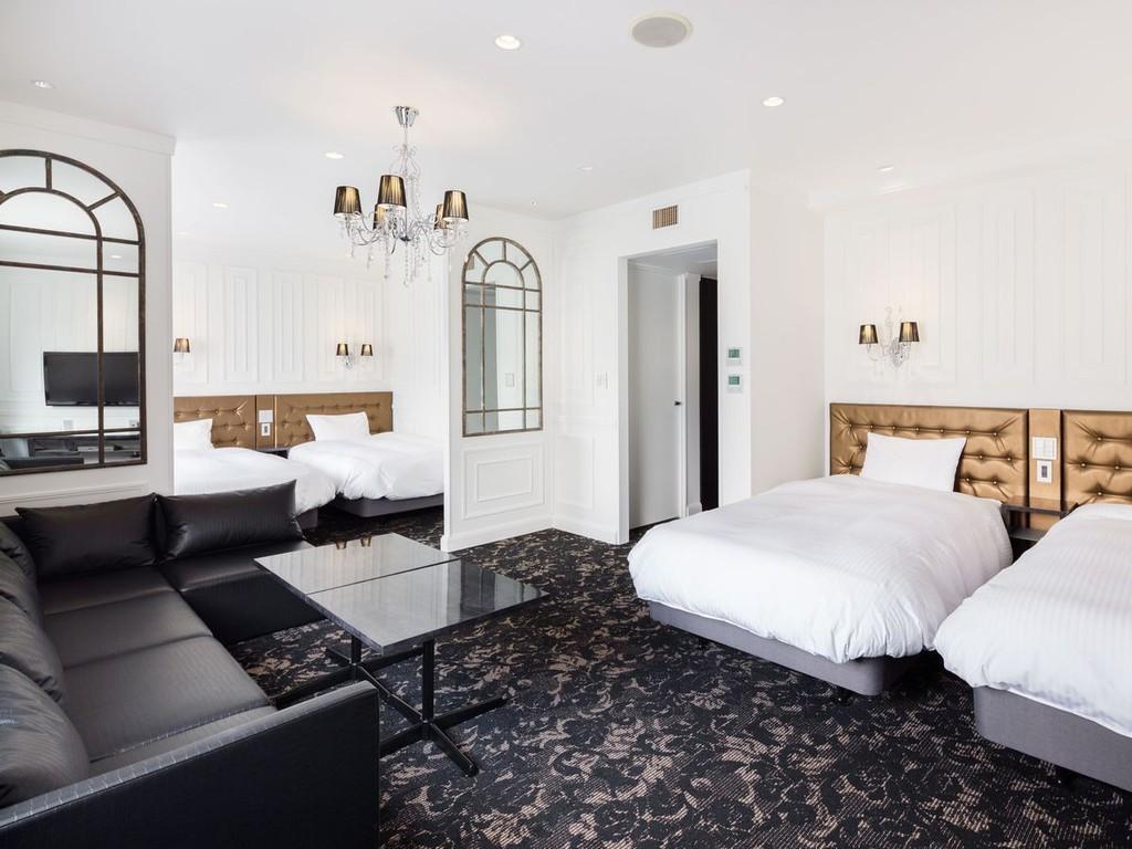 ・ニューヨークテイストのマンハッタンスイート。最大4名でご宿泊も可能な客室です。
