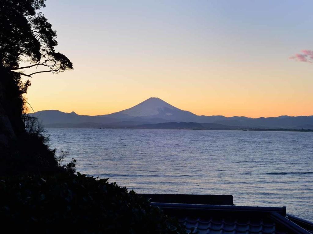 *当館食事処からの富士山