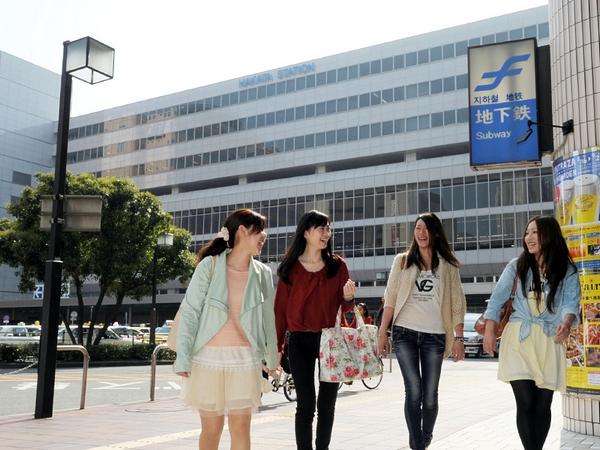 ホテルはJR博多駅筑紫口(新幹線口)目の前だから、どこへ行くにも大変便利♪