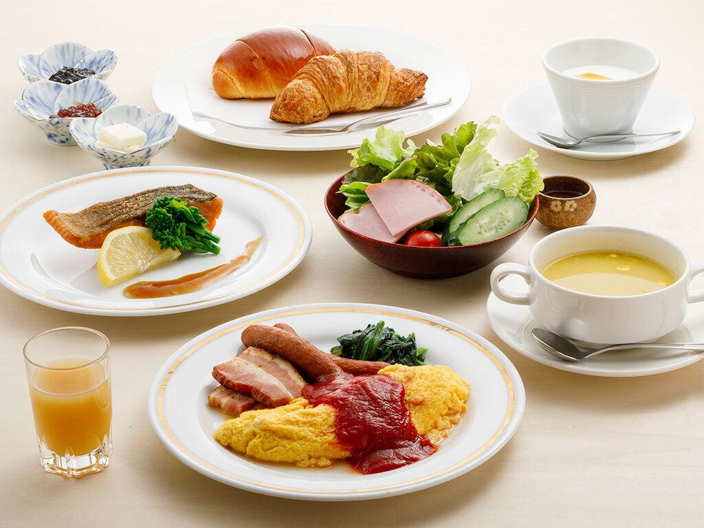 朝食【本館/洋朝食】一例(オムレツは目玉焼きに替えられます)