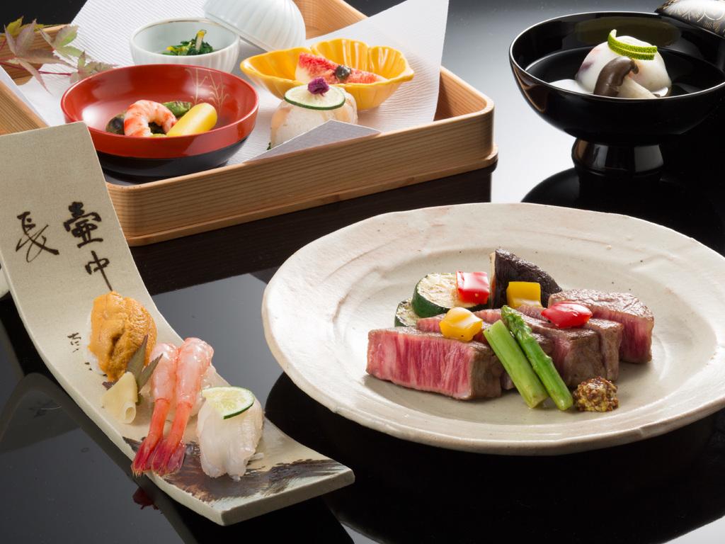 鳳凰贅沢懐石:和牛ヒレステーキと寿司をお楽しみ下さい