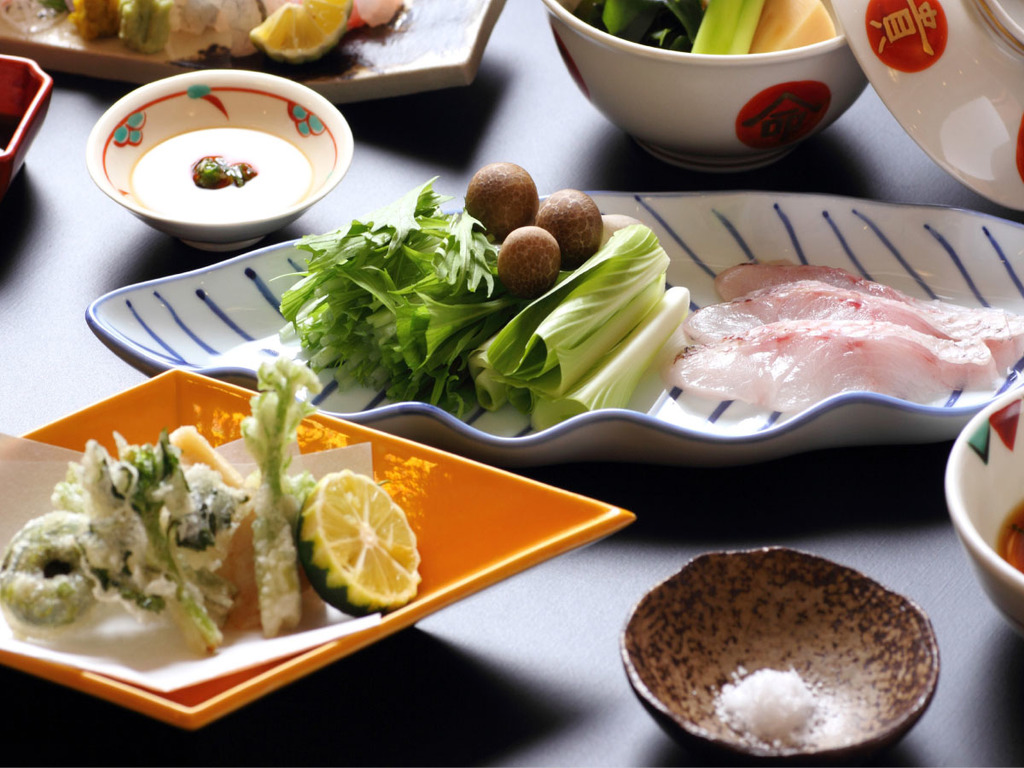 春山菜や加賀野菜などの天ぷらと、のどぐろしゃぶしゃぶで、春の季節をお楽しみください
