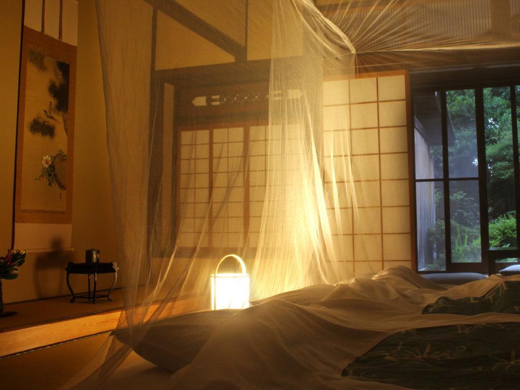 夏の風情たっぷりの蚊帳を吊るしたお部屋で、昔ながらの日本の夏をご体験下さい。