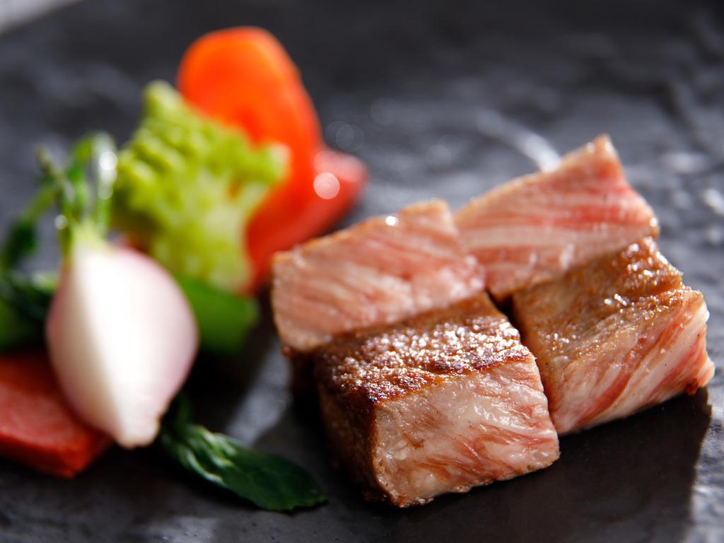 開業30周特別ディナー「伊ぶき」鉄板焼きレストラン
