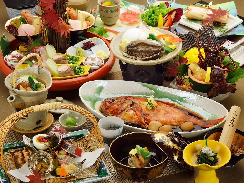 鮑・伊勢海老・金目鯛の3大グルメがすべて付いたご夕食のイメージ